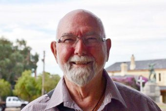 http://www.abc.net.au/news/2018-03-20/professor-encouraging-rural-communities-to-treat-their-water/9567366