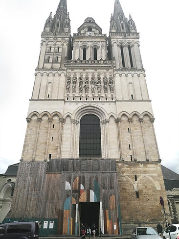 VUE CATHEDRALE.jpg