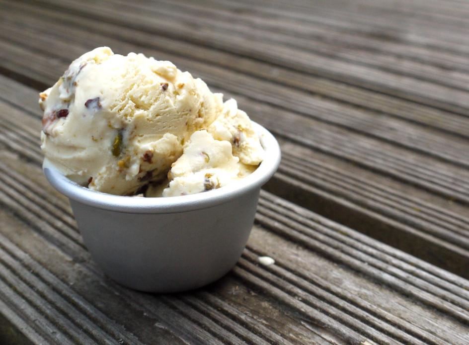 honey-pistachio-ice-cream-019.jpg