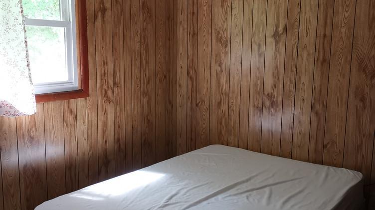 cottage 8 bedroom.jpg