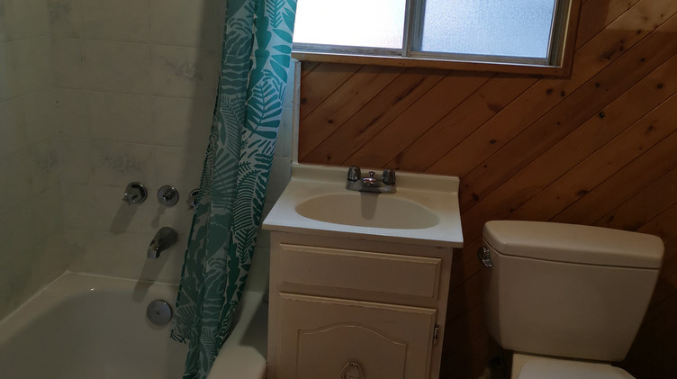 cottage1 washroom
