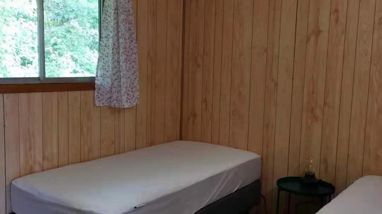 cottage 9 bedroom 2.jpg