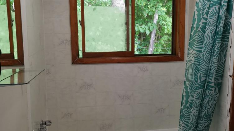 cottage 6 washroom.jpg