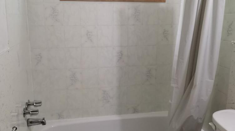 cottage 10 washroom.jpg