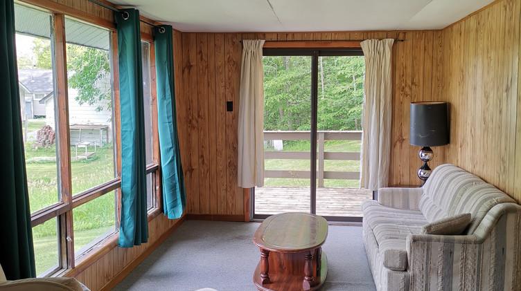 cottage 6 living room 2.jpg