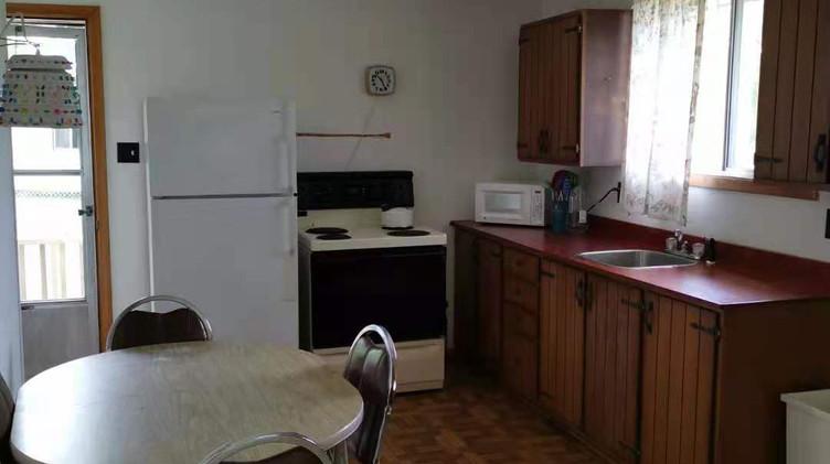 cottage 9 kitchen.jpg
