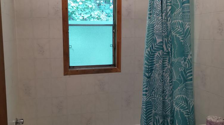 cottage 7 washroom.jpg