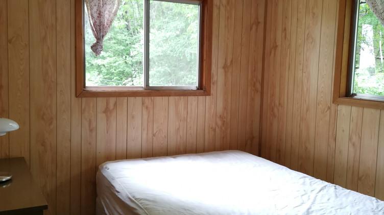 cottage 10 bedroom 2.jpg