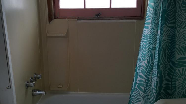 cottage 2 washroom.jpg