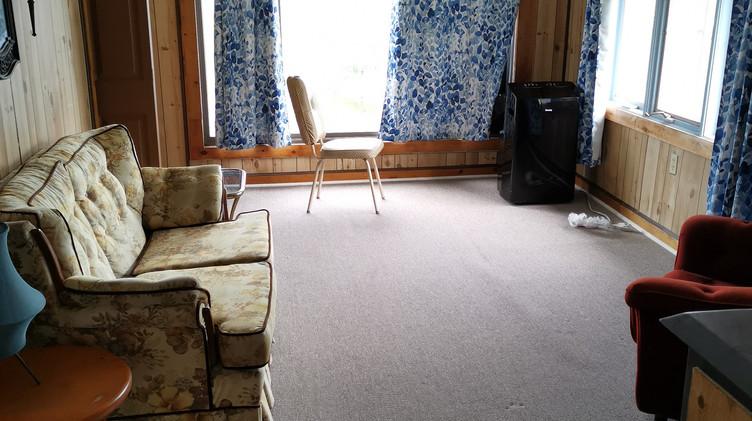 cottage 4 living room.jpg