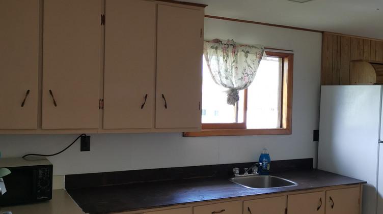 cottage 6 kitchen.jpg