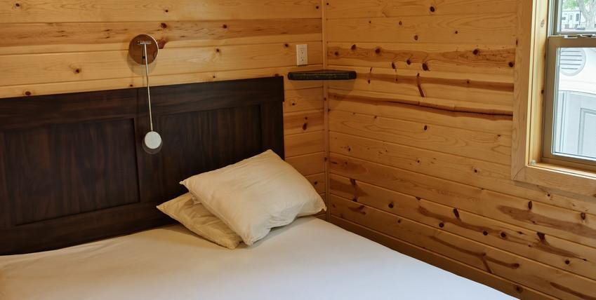 queen bed bedroom.jpg