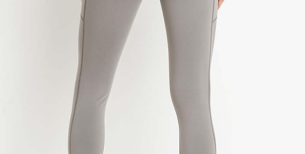 Ace Highwaist Capri Performance Leggings with Mesh Pockets