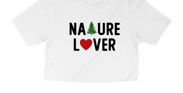 """""""NATURE LOVER"""" WHITE CROP TEE"""