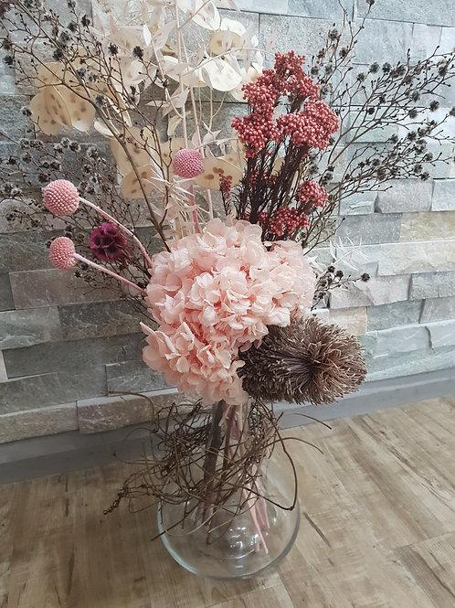 Preserved flowers in vase