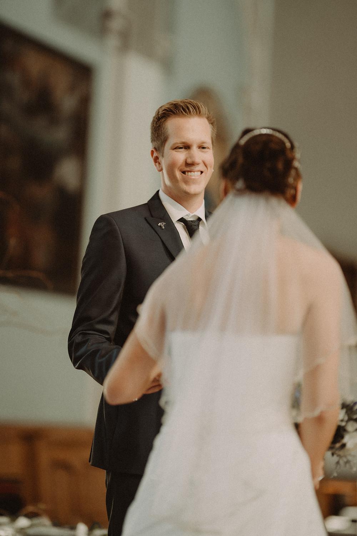 marié mariee mariage suisse fribourg sourire emotion robe
