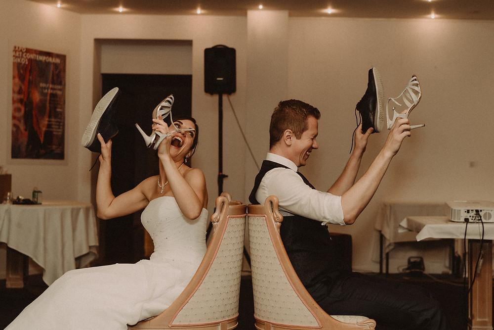 jeux mariage repas ceremonie rire chaussures elle et lui rire