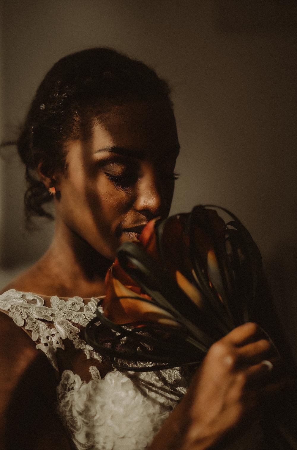 preparation mariage sion photographe suisse mariée  fleur bouquet mariee ombre lumiere