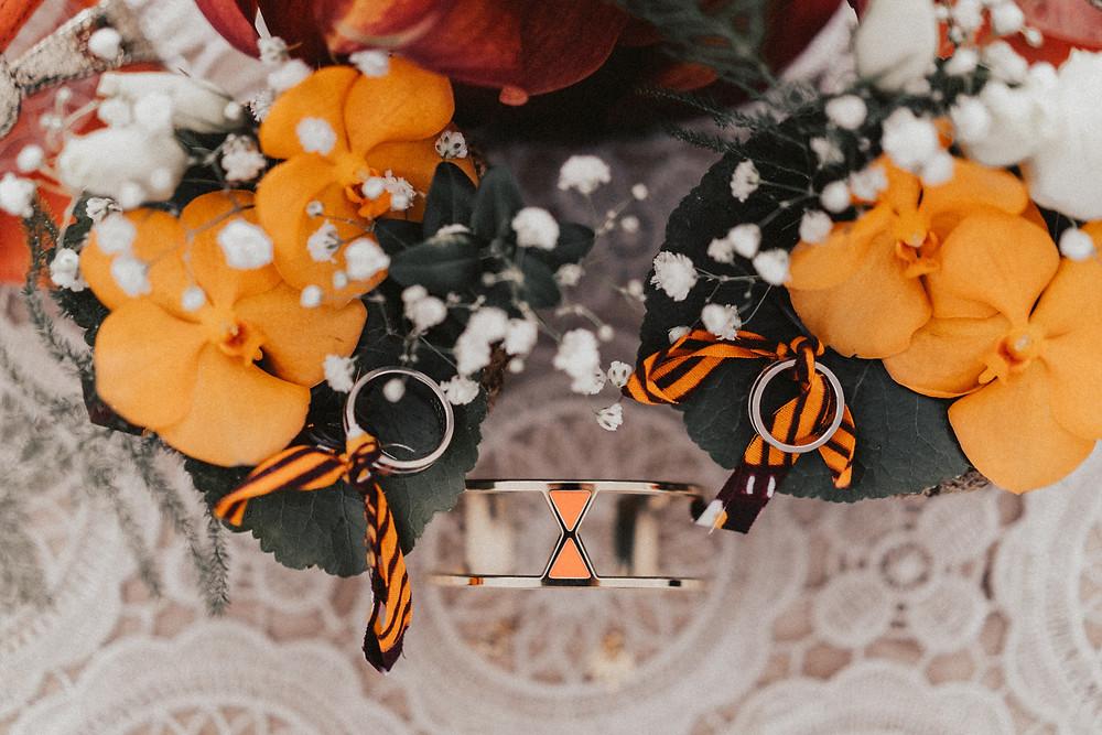 preparation mariage sion photographe suisse mariée bagues bijoux details fleurs