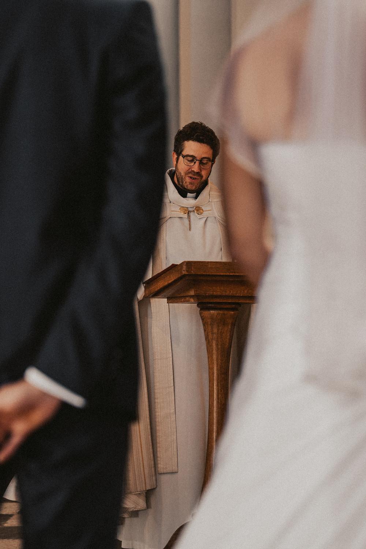 pretre mariage ceremonie eglise saint michel fribourg messe benediction emotion