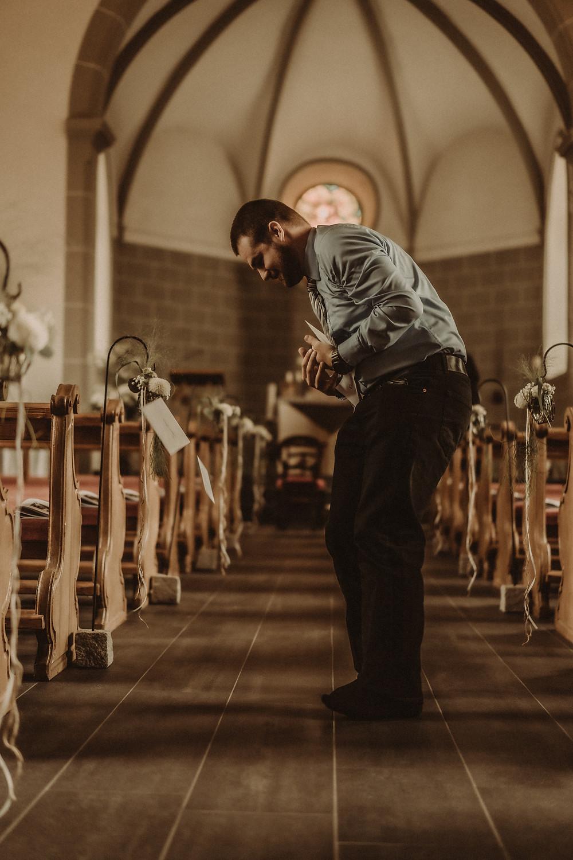 photographe mariage suisse emotion mariee jour J eglise praroman