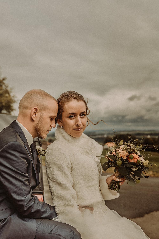 photographe mariage suisse emotion mariee jour J premier regard amour Le mouret fribourg regard intense