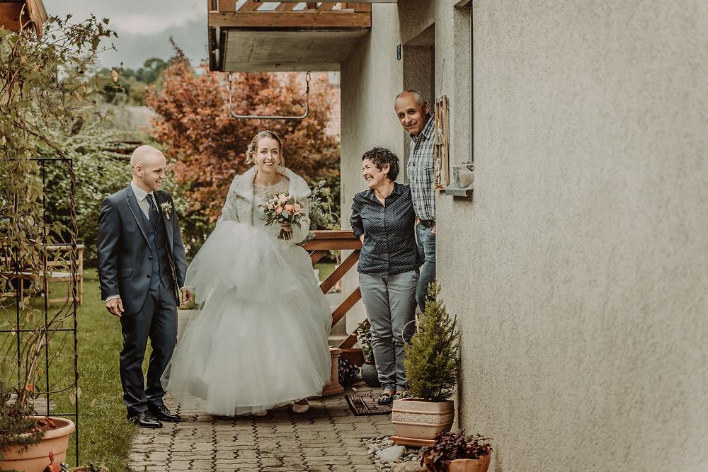 photographe mariage suisse emotion mariee jour J premier regard preparation mari tendresse amour famille