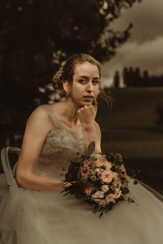 photographe mariage suisse emotion mariee jour J premier regard amour Le mouret regard intense