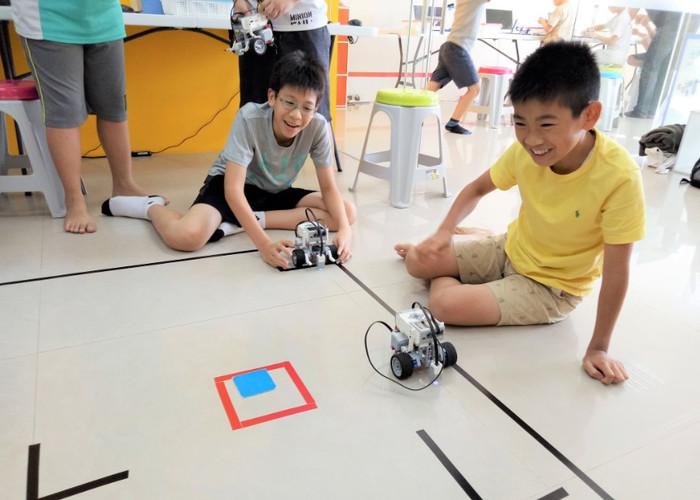 EV3樂高機器人營隊11.jpg