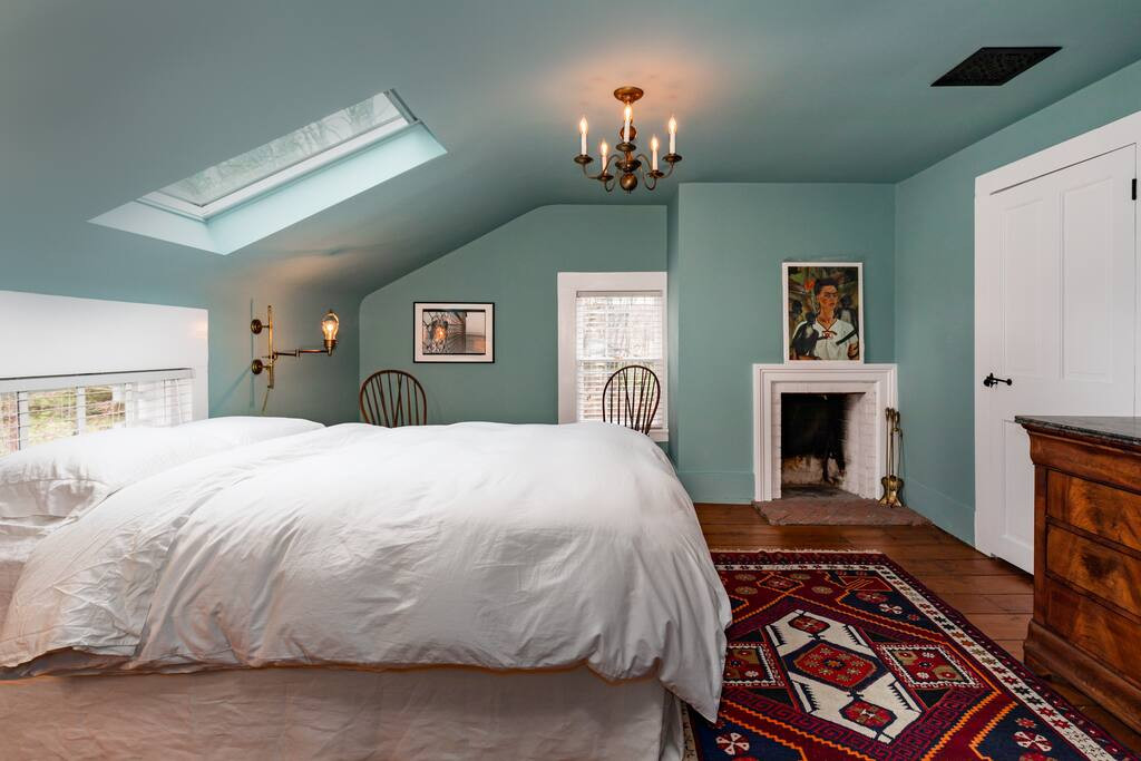 8_Bedroom.jpg