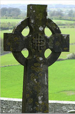 Celtic cross at the Rock of Cashel.jpg