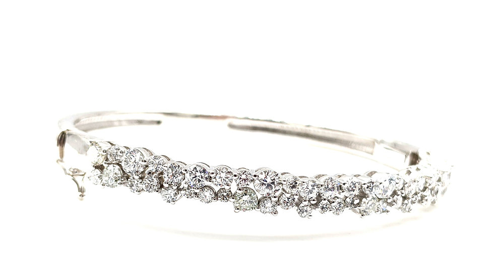 Uneven cluster bangle