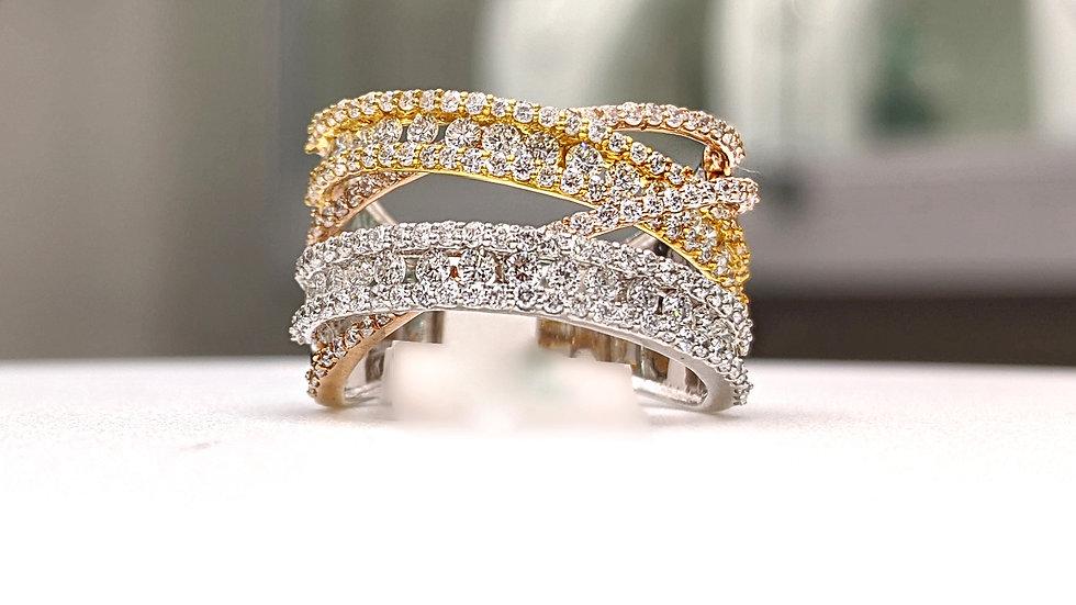 14KT Gold Criss Cross Diamond Band Ring