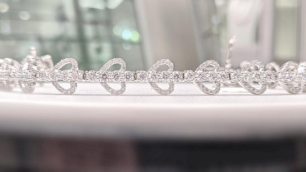 Tennis Bracelet with Diamond Heart & Round Diamond in 14kt White Gold