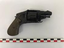 Revolver de poche du XIXe siècle, après traitement