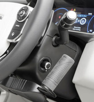 Adapted vehicle_Hand-Controls_
