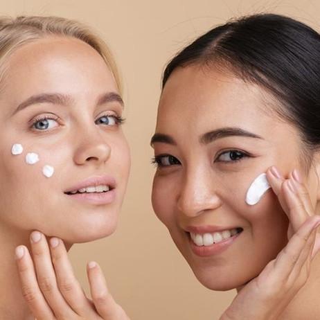 La skincare a 30 anni: la routine da applicare quotidianamente per una pelle radiosa