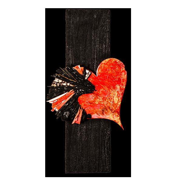 Tableau de Katia Giton constitué d'un cœur en ardoises hérissées entourant un joyaux minéral.