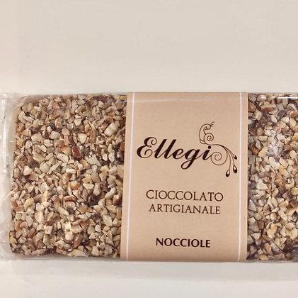 Tavoletta di cioccolato artigianale con nocciole