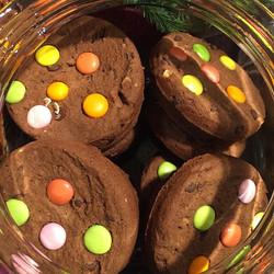 Cookies al cioccolato con smarties