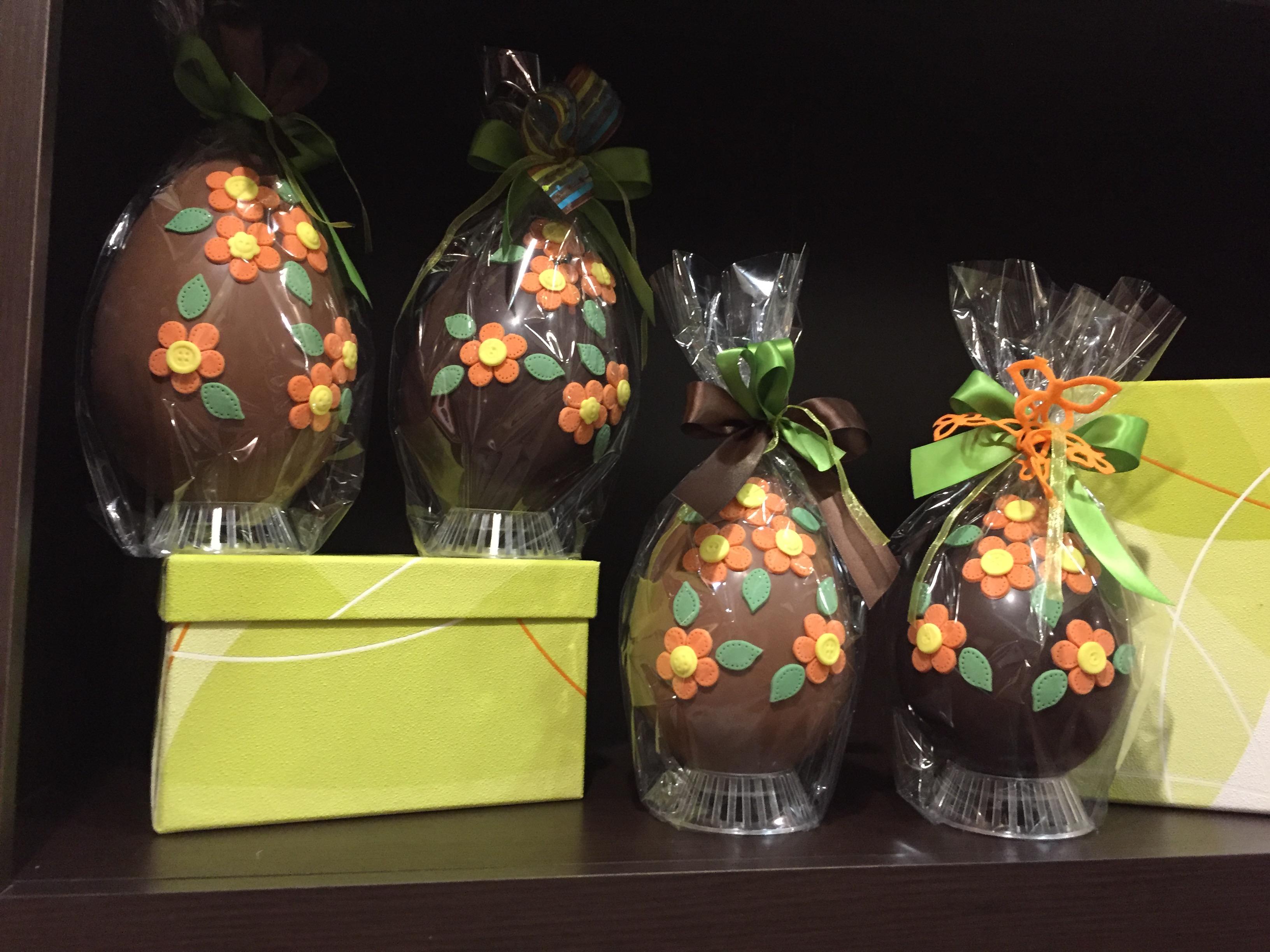 Uova decorate a mano