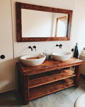 Koupelnový nábytek dle přání zákaznice