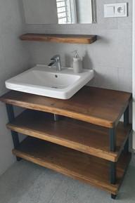 Industriální koupelnová skříňka