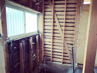 Y様邸 旧バスルーム解体
