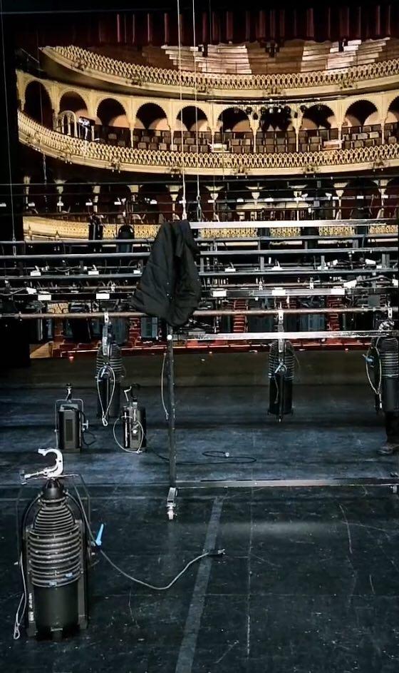Montaje del luces del Teatro Falla