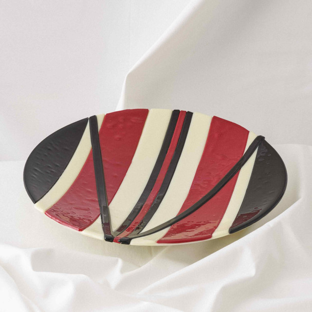Red, white, black plate