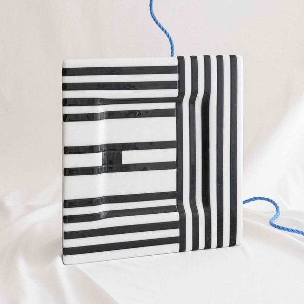Black-striped plate