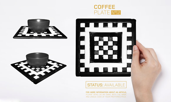 GLASS DESIGN COFFEE PLATES