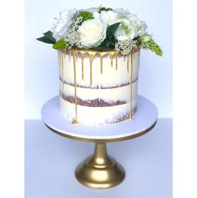 Engagement Cake Design 11