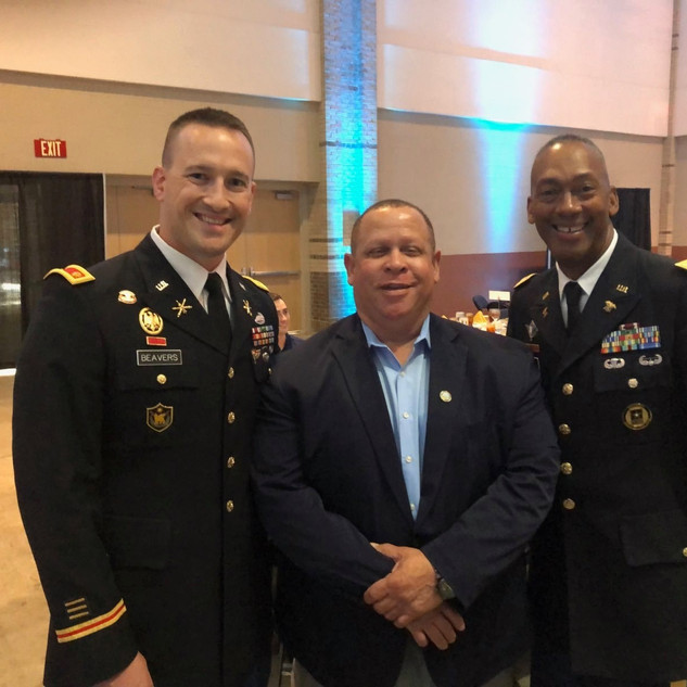 Russell Gilbert Chattanooga Mayor 2021 and honorable servicemen